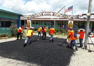 Rumah Bihai's road gets tar-sealed