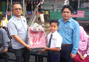 CMS Donates School Bags to Underprivileged Students