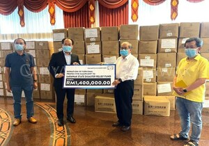 OM-Sarawak-donates-RM1.4-million-worth-of-PPE-to-front-linersink_Thumbnail